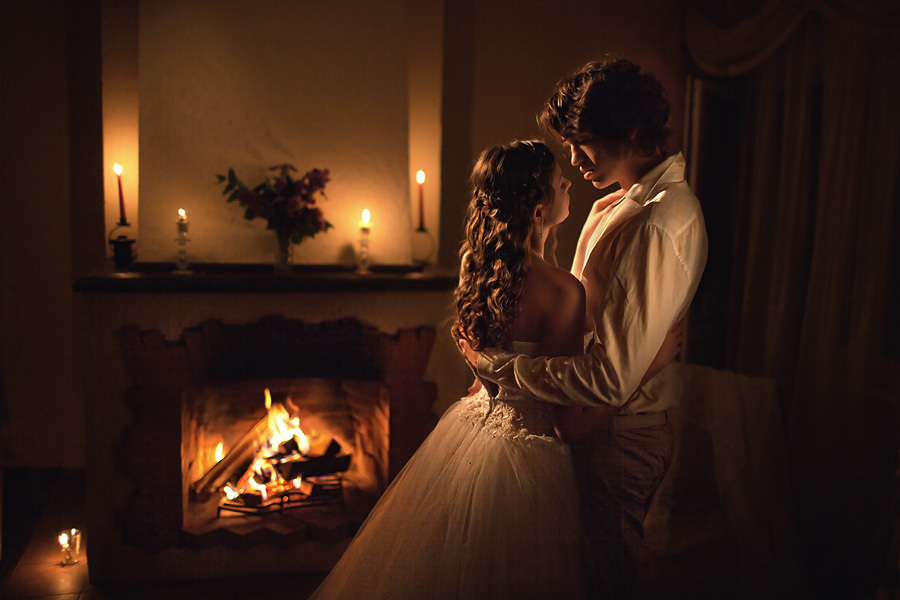 Романтика у камина