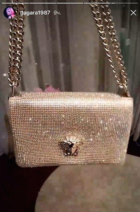 Полина Гагарина получила в подарок от мужа эксклюзивную и дорогую сумку
