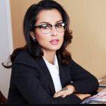 Тина Канделаки смутила бизнес-партнеров откровенным декольте