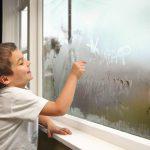 Почему запотевают металлопластиковые окна?