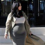 Ким Кардашьян начала поиски суррогатной матери