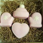Мыло ручной работы зимнее варежки шапочка сердечко