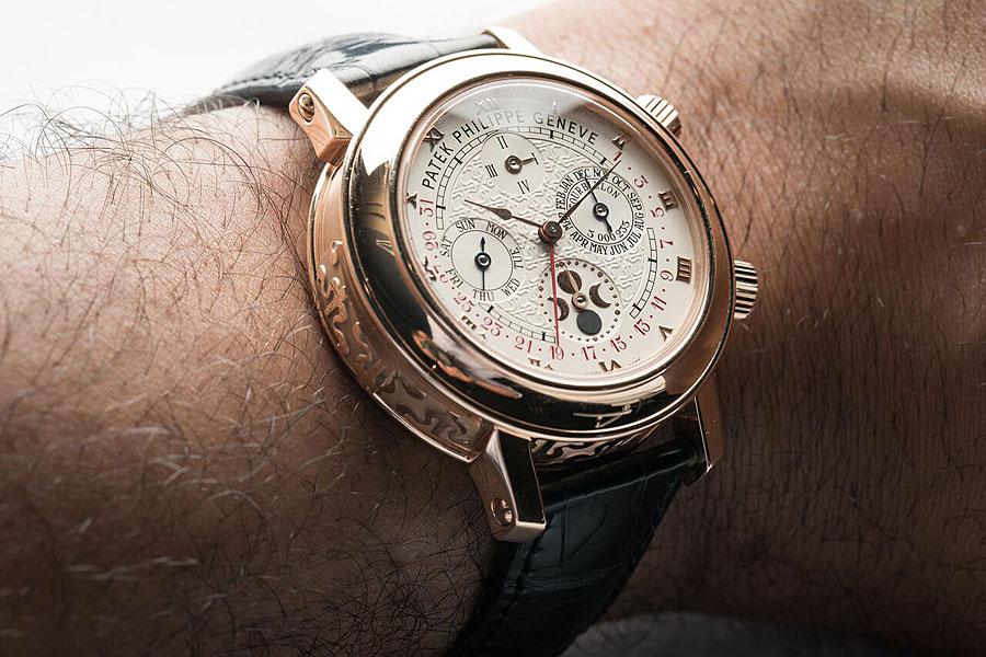 Часы Patek Philippe на руке